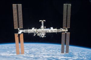 800px-ISS_after_STS-117_in_June_2007